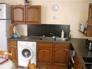 Cosy and tidy kitchen for all hostel users to cook food